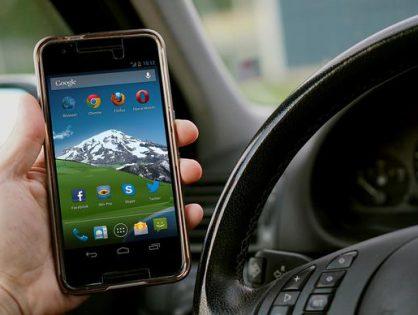 Podróże samochodowe z wykorzystaniem nowoczesnych technologii