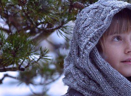 Zimowy komin dla dziecka – zalety stosowania